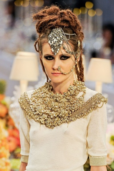 Детали с показа Chanel Pre-Fall 2012. Изображение № 27.