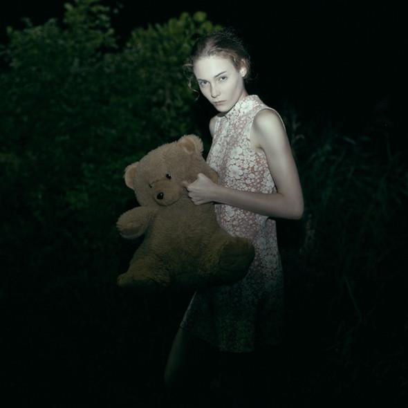 Тонкие материи в фотографии Томека Янковски. Изображение № 13.