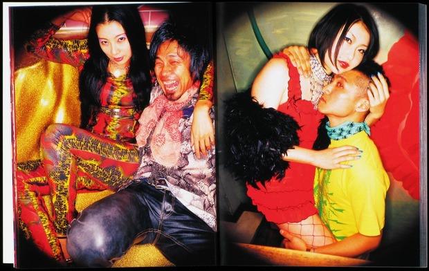 Клубная мания: 10 фотоальбомов о безумной ночной жизни . Изображение № 73.