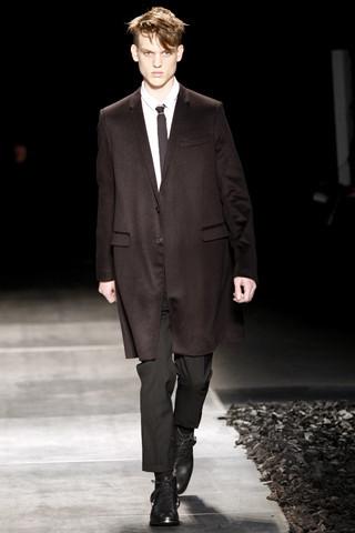 Неделя моды в Париже: мужские показы. Изображение № 77.