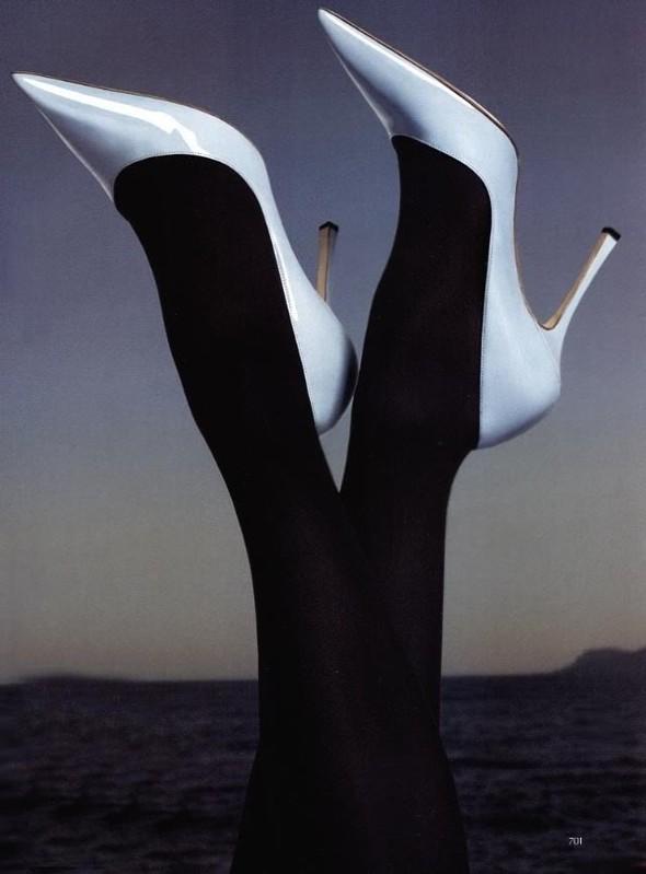 Архивная съёмка: Мерт и Маркус для Vogue, 2005. Изображение № 3.