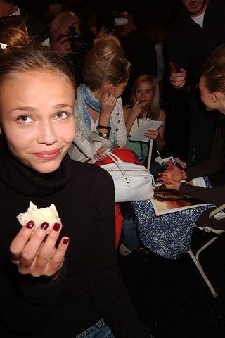Please, don't feed themodels!. Изображение № 9.