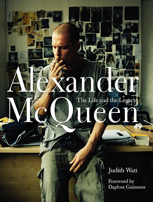 Обложка Alexander McQueen: The Life and the Legacy. Изображение № 1.