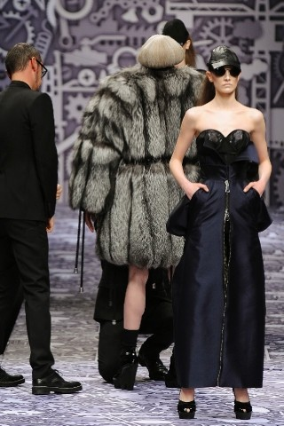 Back to black : Gareth Pugh и Victor&Rolf aw 2010-2011. Изображение № 72.