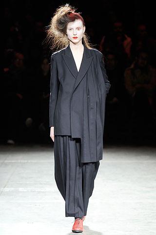 Деконструктивизм в дизайне одежды. Изображение № 9.