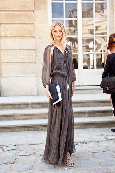Уличный стиль на Неделе высокой моды в Париже. Изображение № 27.