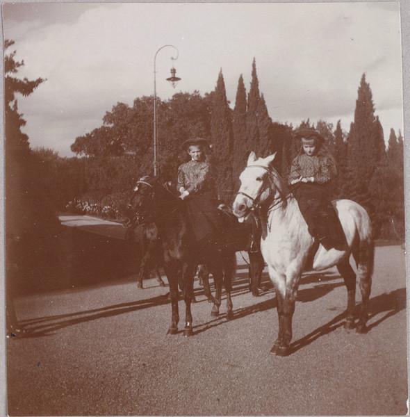 Редкие фотографии семьи Романовых. Изображение № 10.