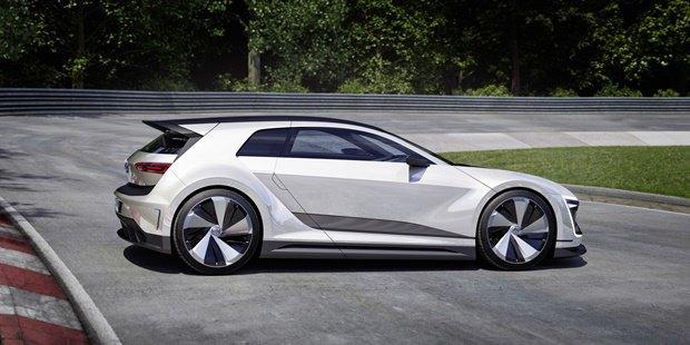 Volkswagen показал концепт автомобиля Golf GTE Sport . Изображение № 7.