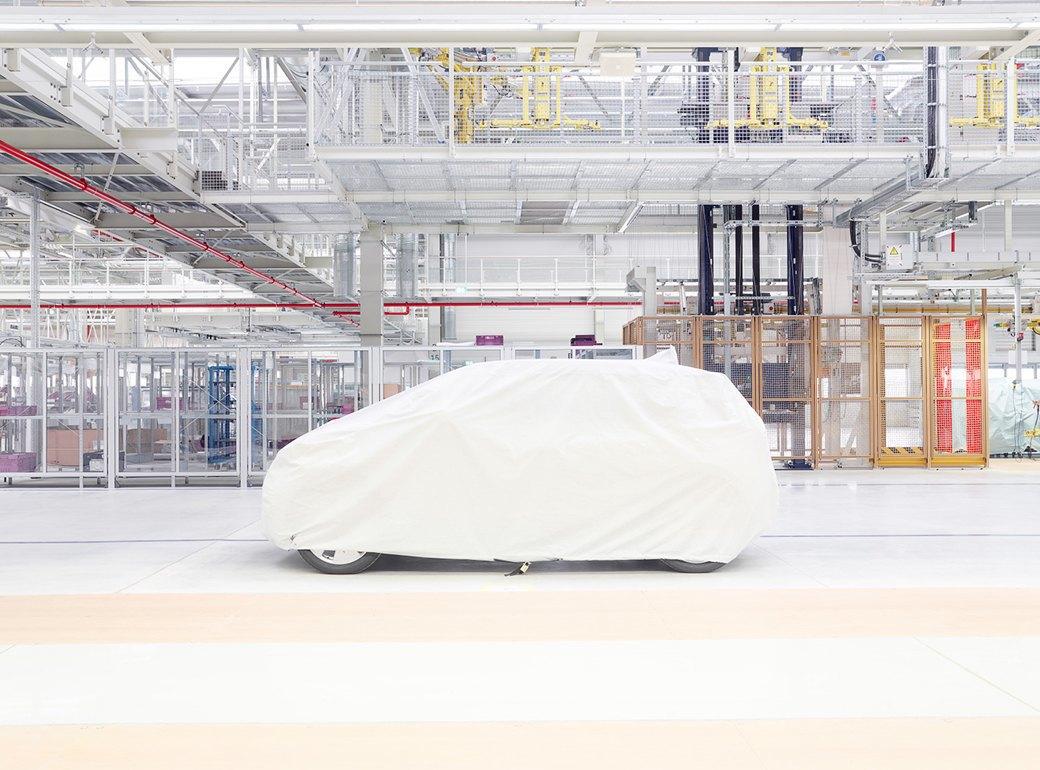 Фабрика BMW авторства Захи Хадид вызывает мурашки у роботов. Изображение № 10.