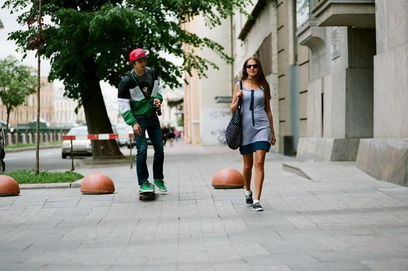 На Мите: кеды, джинсы, ветровка, кепка - все Wesc. На Даше: платье Cheap Monday. Изображение № 24.