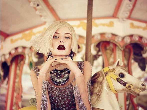 Съёмка: Аугусте Абелюнайте для Vogue. Изображение № 8.