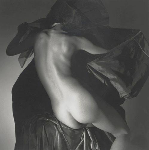 Части тела: Обнаженные женщины на винтажных фотографиях. Изображение №111.