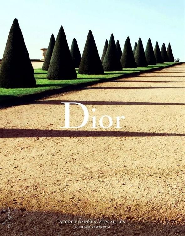 Кампании: Dior, Versace, Gucci и Burberry. Изображение № 6.