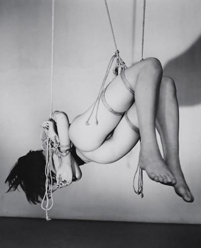 Части тела: Обнаженные женщины на фотографиях 70х-80х годов. Изображение № 136.