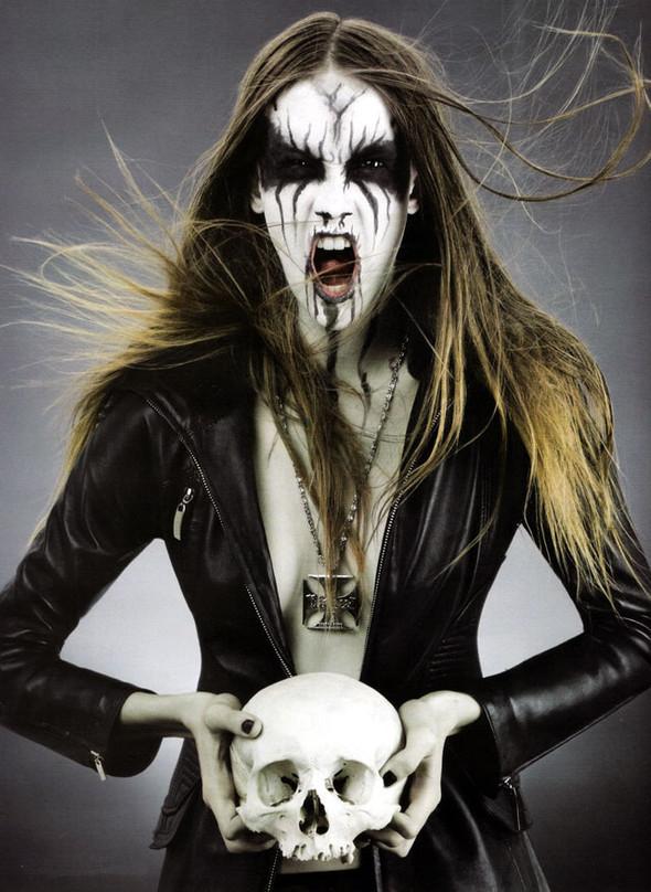 Блек-металлические барби, D-Mode, май'08. Изображение № 2.