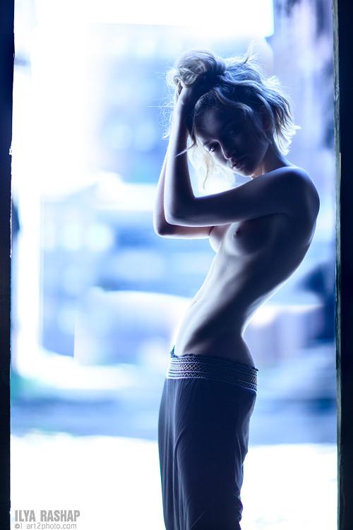 Фотограф Илья Рашап: ню-ансы красоты. Изображение № 1.