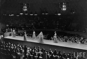 Dior in Moscow, 1959 год. Изображение № 1.