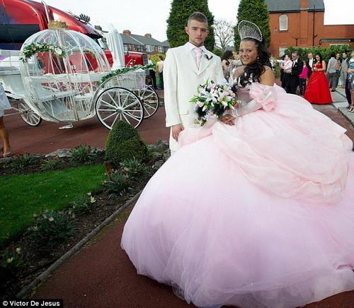Изображение 7. Цыганские невесты и их свадебные платья.. Изображение № 4.