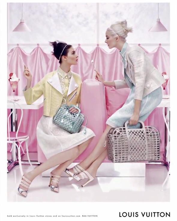 Кампания: Louis Vuitton SS 2012. Изображение № 9.