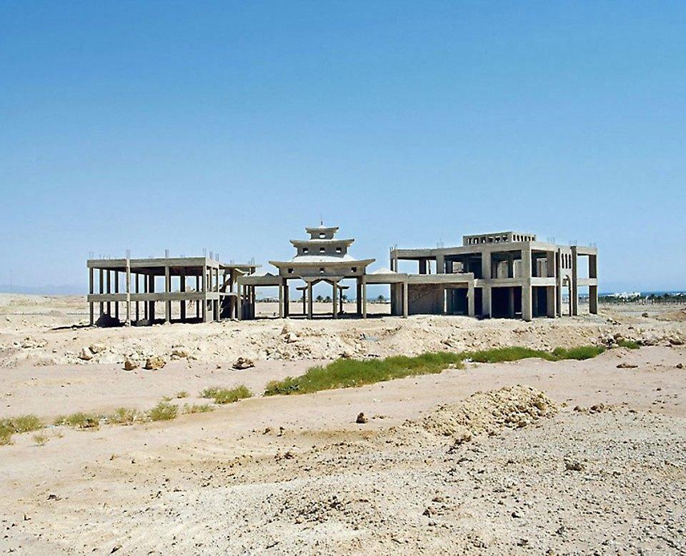 Что осталось от роскошных гостиниц в египетской пустыне. Изображение № 10.