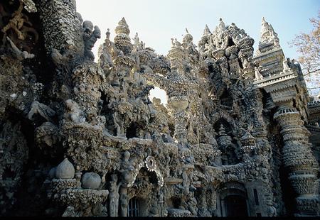 Дворец, построенный почтальоном инсталляция XIXвека. Изображение № 1.
