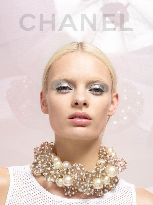 A.P.C., Chanel, MM6, Mother of Pearl, Paule Ka и Yang Li выпустили новые лукбуки. Изображение № 35.