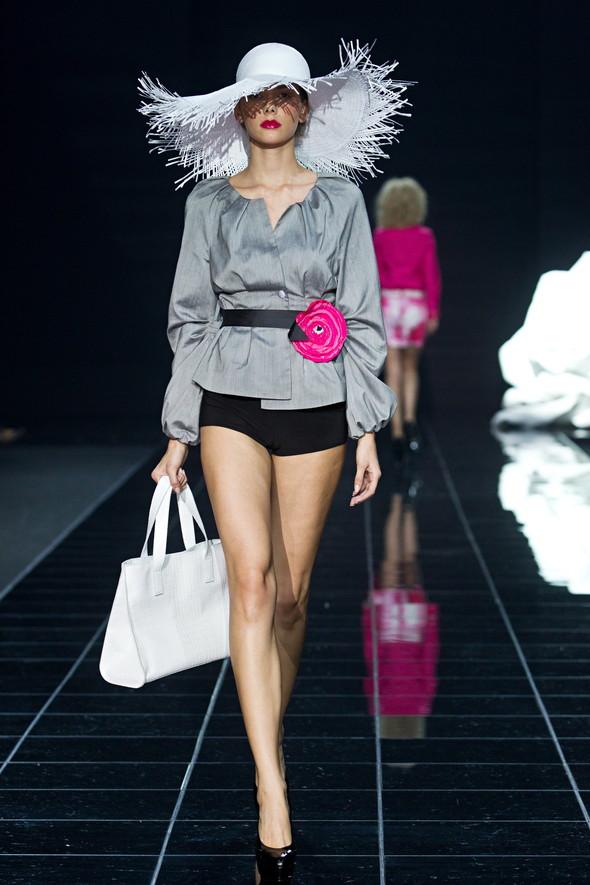 Наташа Дригант, Кира Пластинина, Сергей Сысоев, Gabi Lauton: весна-лето 2011 на Volvo Fashion Week. Изображение № 18.