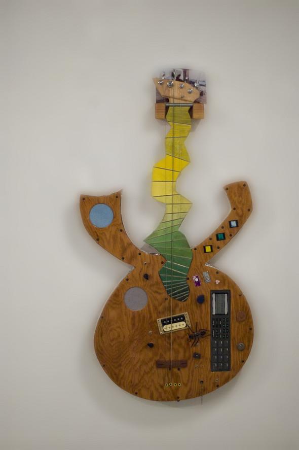 Странные гитары Бена Симона. Изображение № 6.