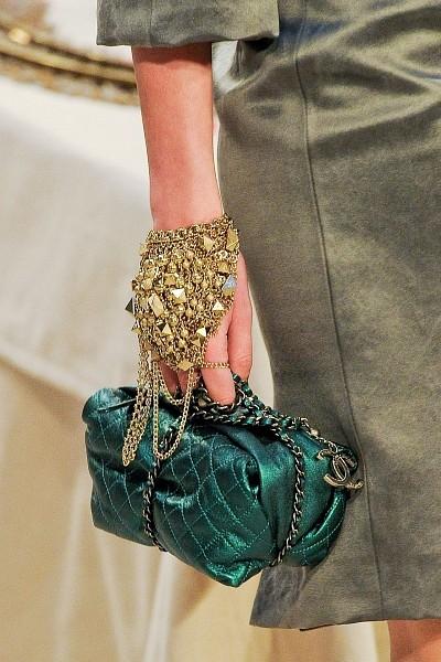Детали с показа Chanel Pre-Fall 2012. Изображение № 13.
