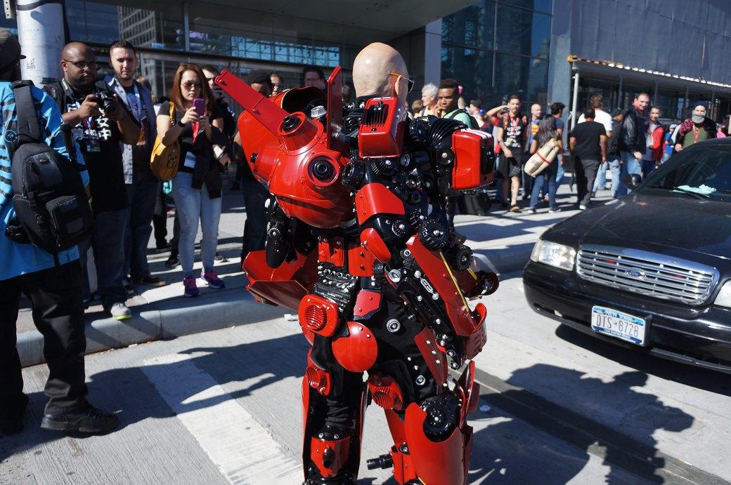 Как прошёл гик-фестиваль NYC Comic-Con  в Нью-Йорке. Изображение № 3.