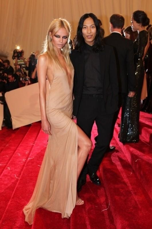 Изображение 27. 2011 MET Costume Institute Gala - Models style.. Изображение № 1.