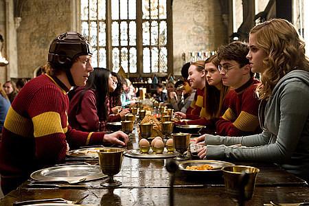 Сценарий нового фильма о Гарри Поттере найден в баре. Изображение № 1.