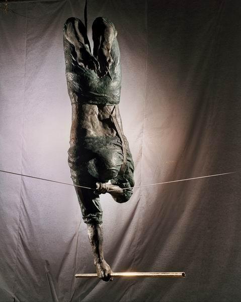 Скульптуры Джерзи Кедзиоры, парящие в воздухе. Изображение № 32.