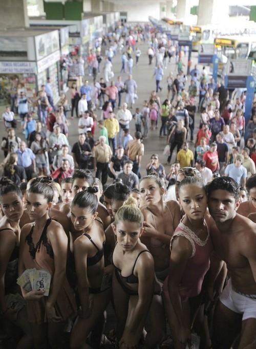 День нижнего белья в Бразилии. Изображение № 11.
