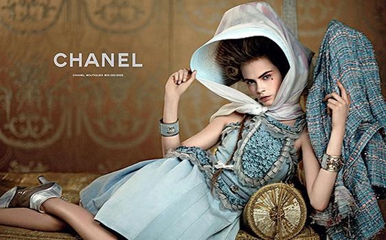 Нет хлеба? Пусть едят пирожные! Реклама круизной коллекции Chanel. Изображение № 1.