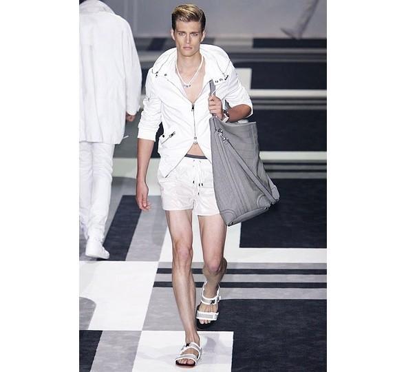 Трансляция показа новой мужской коллекции Gucci. Изображение № 9.