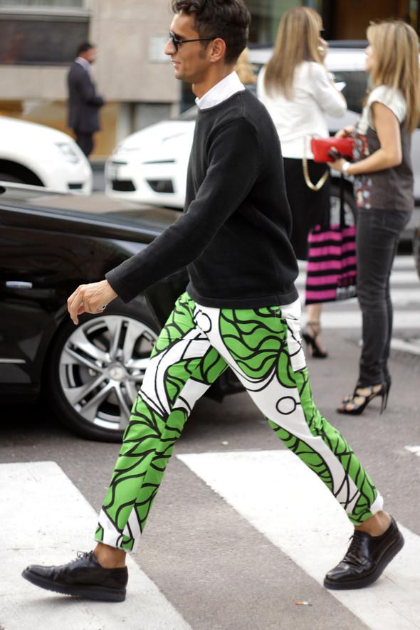 Уличная мода на Milan Fashion Week: день 1. Изображение № 5.
