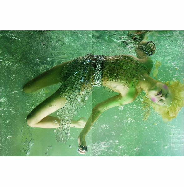 Съемка Vogue Nippon, май 2010, фотограф Сольве Сундсбо. Изображение № 32.