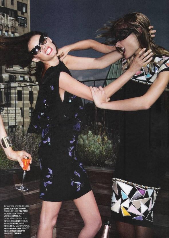 Съёмка: Алессандра Амброзио, Эмануэла де Паула и другие для Vogue. Изображение № 4.