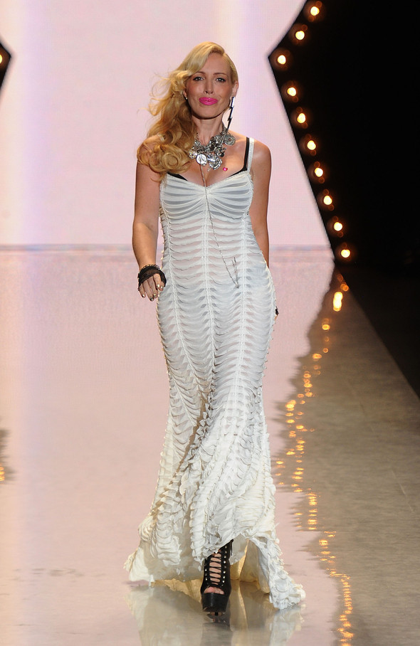 New York Fashion Week: Betsey Johnson Spring 2012. Изображение № 2.