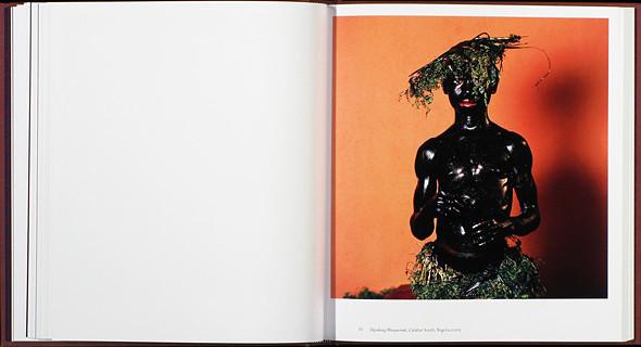 12 альбомов фотографий непривычной Африки. Изображение № 69.