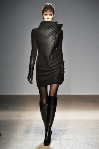 Back to black : Gareth Pugh и Victor&Rolf aw 2010-2011. Изображение № 28.