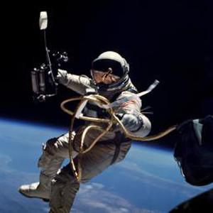 Астронавты Discovery завершили третий выход в космос. Изображение № 1.