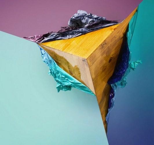 Если взять деревянный куб, пвх и фен, получится обложка для диска. Изображение № 1.