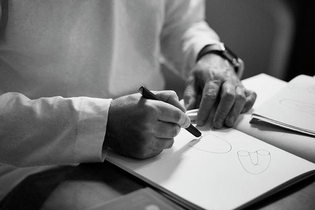 Дизайнер Марк Ньюсон создал серебряный чайный сервиз. Изображение № 18.