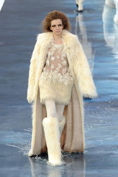 Ледяное шоу от Chanel. Изображение № 22.