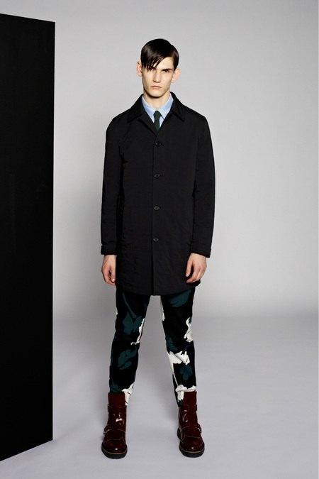 Marni и Marc Jacobs выпустили новые лукбуки. Изображение № 18.