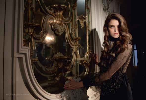Съёмка: Юлия Занер в Fendi для Grey. Изображение № 5.
