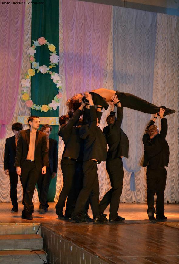 """Артисты театра """"Искушение"""" выступили для детишек из детского дома!. Изображение № 4."""