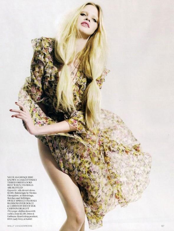 Лара Cтоун в январском Vogue: Дитя человечества. Изображение № 4.
